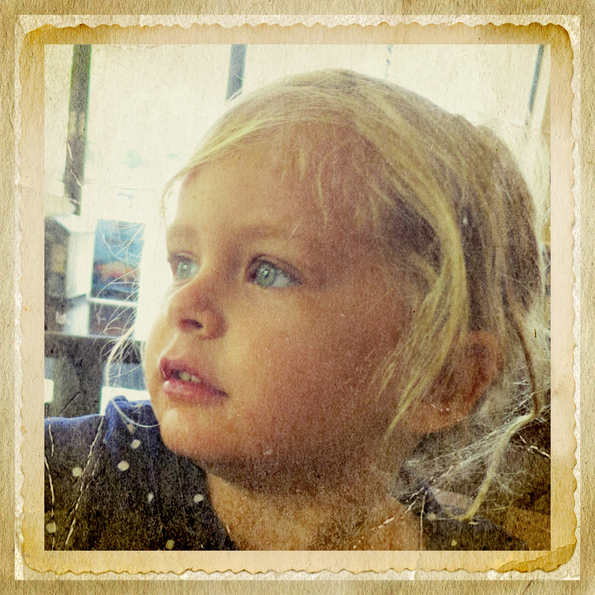 A photo of Eliza done on my iPhone and enhance with the iPhone Apps Typic+ and Pic Grunger.